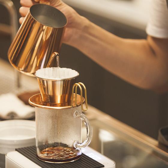 国際女性デーに味わいたいハンドドリップコーヒー