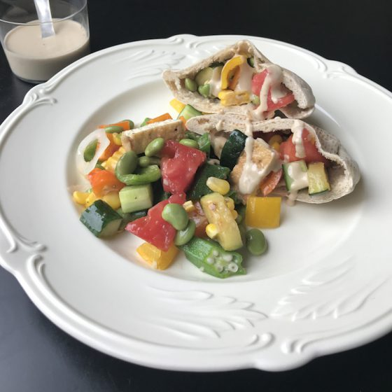 (第14話)西欧で需要が高まる「植物性タンパク質」の話 枝豆サラダのピタパンサンドのレシピ/門倉多仁亜